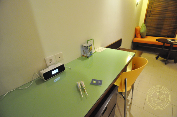All Seasons Legian Bali review - bed room view, work desk with ipod dock