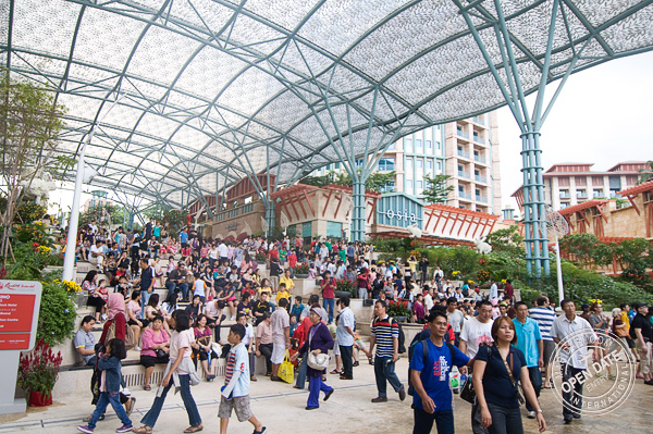 Resorts Worlds Sentosa Festivewalk crowd